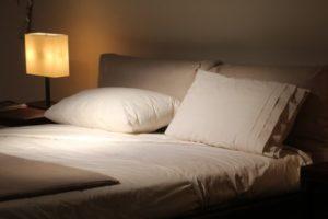 Príbeh: Pozvanie na svadbu s ubytovaním a jej oplatenie