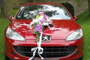 Svadobná výzdoba auta má tiež niekoľko svojich pravidiel