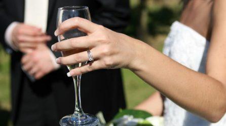 Spoznáte rozdiel medzi diamantom a sklíčkom?