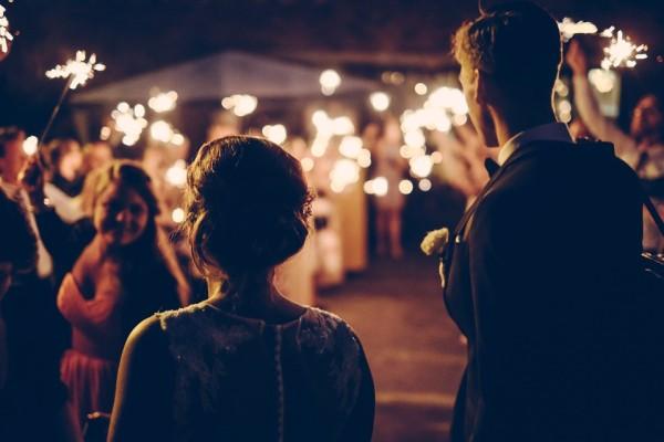 Svadobčania a ľudia vôbec