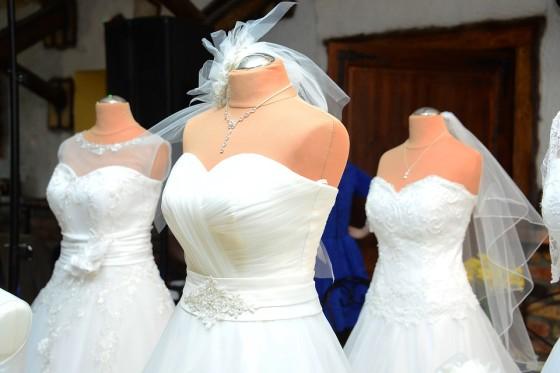Svadobné šaty sa pripravujú
